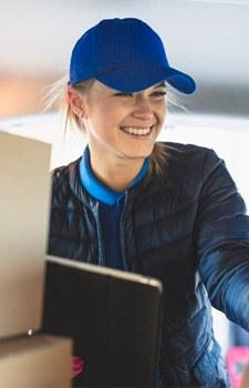 Seguimiento de envíos con equipo especializado en servicio y atención al cliente totalmente personalizado durante todo el proceso de envío